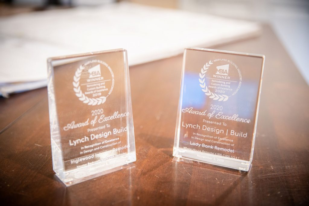 lynch design build 2020 MBIA award of excellence plaques
